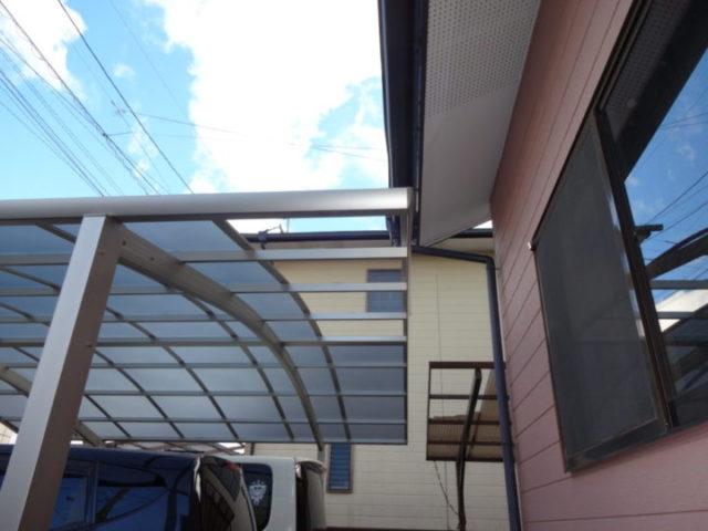 カーポートの屋根破損